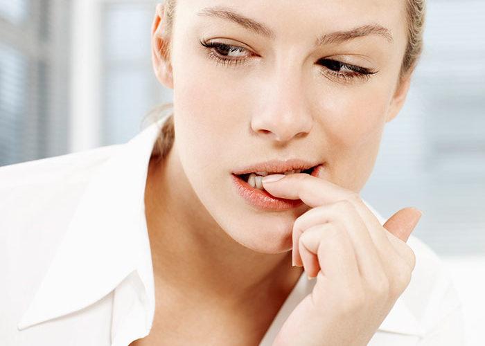 क्या आप भी काटते हैं दांत से नाखून? तो हो जाइए सावधान