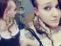OMG: इस लड़की ने जीते- जागते अजगर को अपने कानों का झुमका बना डाला