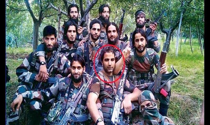हिजबुल मुजाहिदीन ने दी बड़ी चेतावनी पाखंडी नेताओं का सिर काटकर लाल चौक पर टांग देंगे