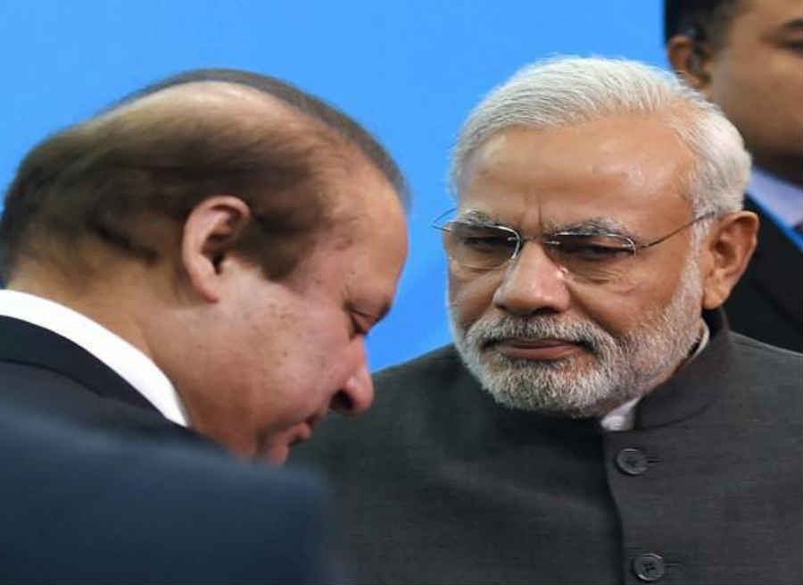पीएम मोदी के पंजे में पाकिस्तान की सबसे कमजोर नस, भीख में मांगी…