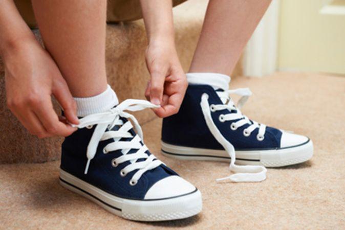 """कभी नहीं पहने ऐसे जूते, ये होते है """"बेडलक"""" की निशानी!"""