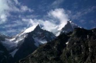 एक सफर बर्फ से होते हुए खूबसूरत पहाड़ो का- स्पीति वैली