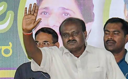 कर्नाटक चुनाव: कुमारस्वामी के शपथ ग्रहण में सोनिया, अखिलेश, ममता को न्योता