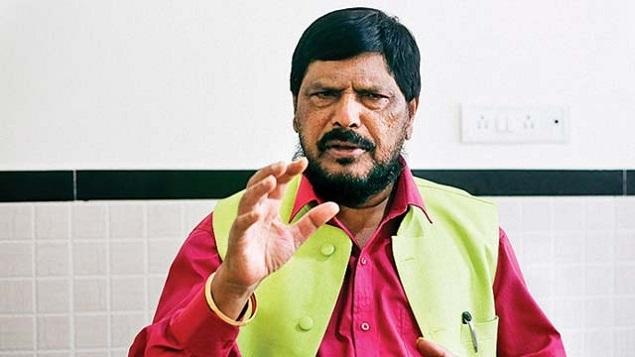 केंद्रीय राज्यमंत्री रामदास अठावले ने मोदी सरकार और राहुल गाँधी के लिए कही ये बात