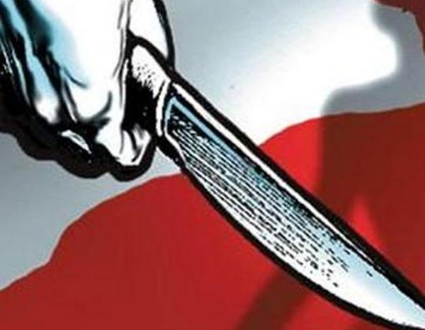 केवल मोबाइल चोरी के शक में काटा युवक का यौन अंग