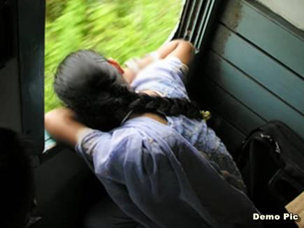 बिहार: जब मेजर ने चलती ट्रेन में महिला को छेड़ा तो महिला ने किया किया कुछ ऐसा