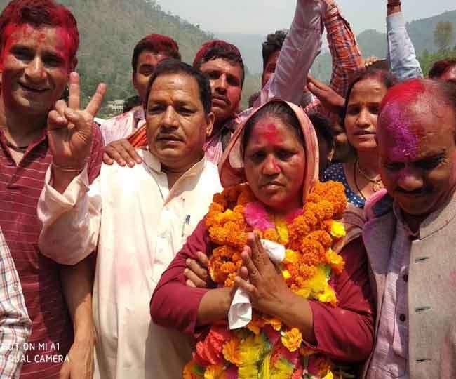 उत्तराखंड: थराली में भाजपा ने बचाई सीट और साख, मुन्नी देवी विजयी