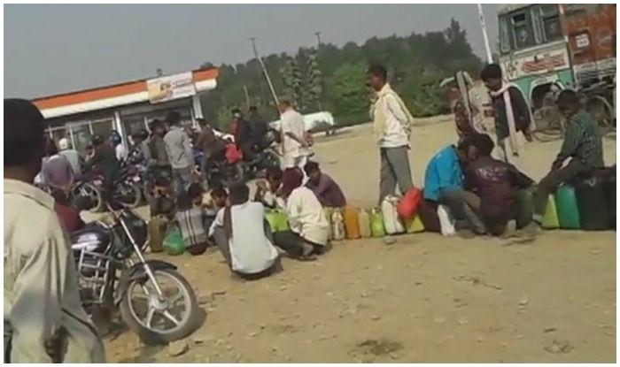 देश में महंगा हुआ पेट्रोल-डीजल, नेपाल से वाहनों में भरवाकर लौट रहे लोग
