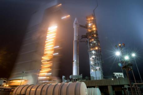 नासा ने मंगल पर मानव भेजने के लिए बढ़ाया कदम, जायजा लेने भेजा Insight