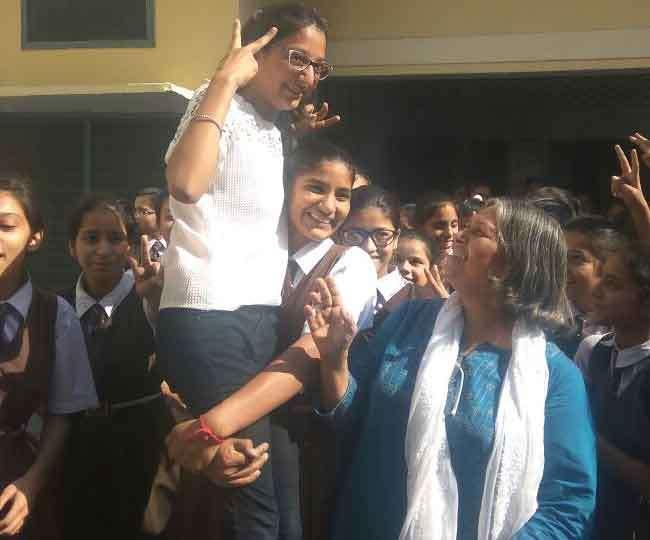 पंजाब बोर्ड की दसवीं परीक्षा में बेटियों ने फिर फहराया परचम