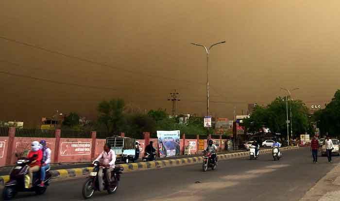 राजस्थान में आंधी-तूफान से करीब 75 लोगों की हुई मौत