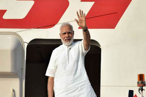 रूस के लिए रवाना हुए PM मोदी, इन बड़े मुद्दों पर हो सकती हैं बातें