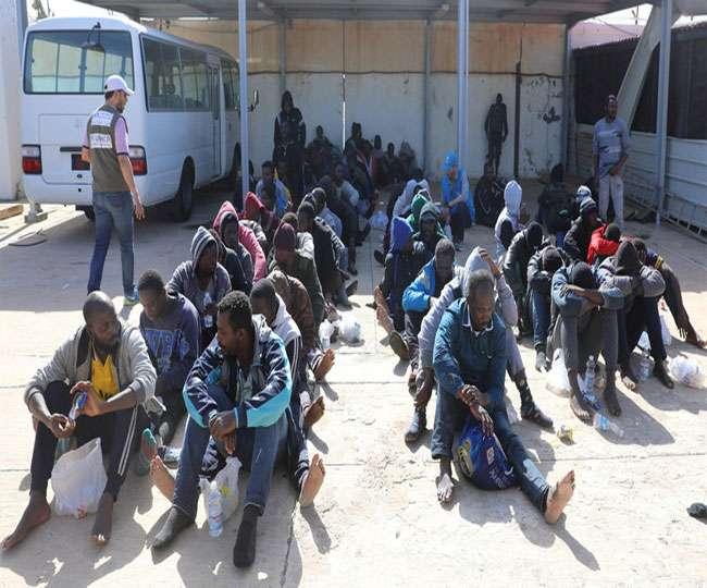लीबिया में भाग रहे कई प्रवासियों पर गोलीबारी, 15 की मौत