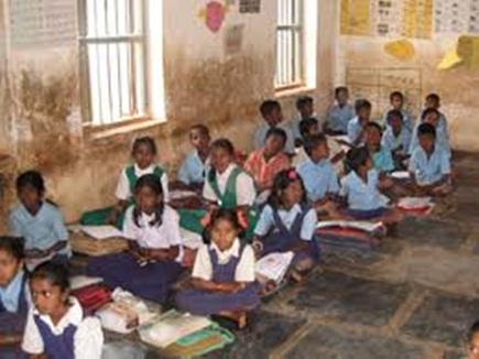 Photo of शिक्षा देकर गढ़ रहे भविष्य, 'कल्पतरु' की छांव में निभा रहे पड़ोसी धर्म