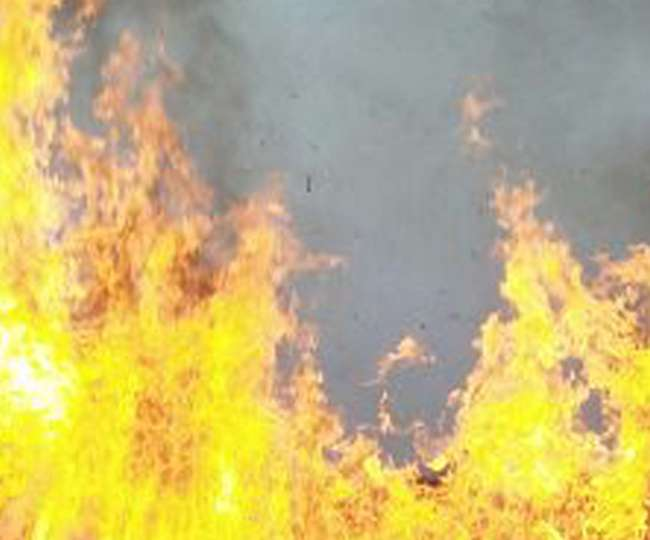 पत्नी, सास और बेटी पर पेट्रोल-तेजाब छिड़ककर लगा दी आग