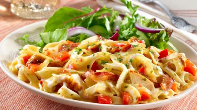 Why eat in the restaurant, when it can be made at home, 'Cheesy Vegetable Pasta'