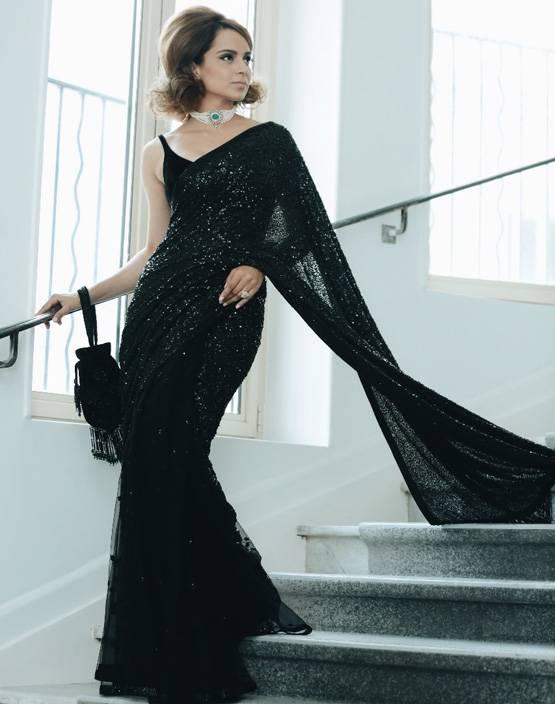 Cannes Film Festival में कंगना रनौत ने ब्लैक साड़ी में ढहाया कहर