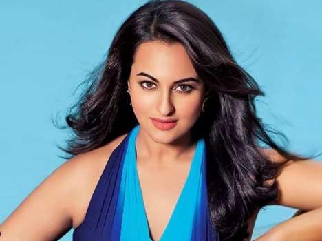 अभिनेत्री सोनाक्षी सिन्हा ने बॉलीवुड को लेकर दिया बड़ा बयान, कहा...