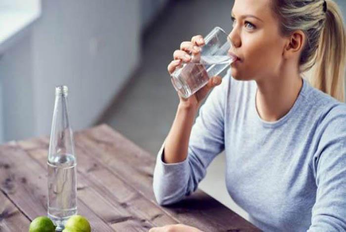 #सावधान: इस समय पानी पीने से हो सकती 103 तरह की बीमारी