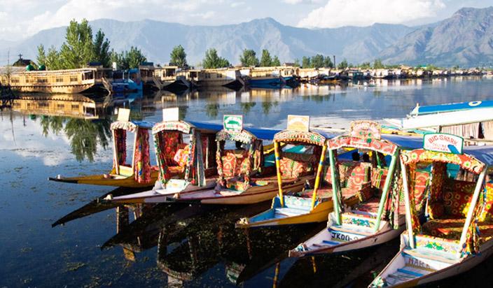 गर्मी के मौसम में Boating का मजा लेना है तो जाएं इन Destinations पर