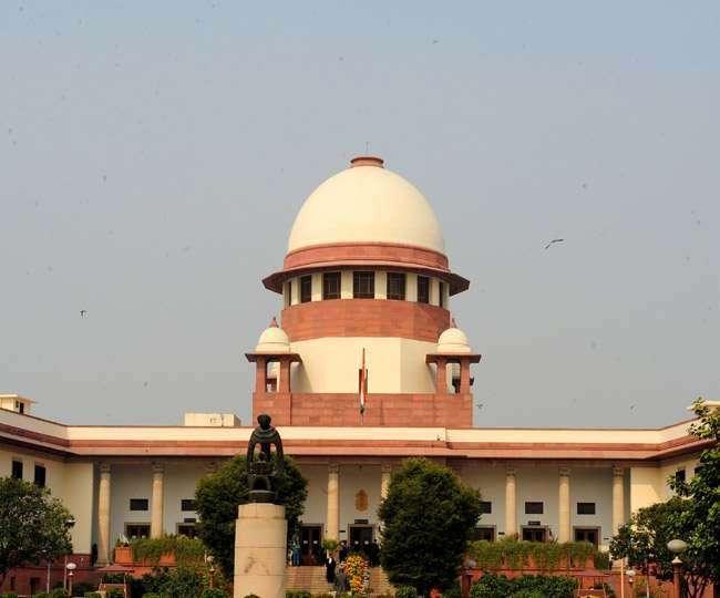 आधार कानून को सरकार के मनी बिल देने पर सहमत नहीं दिखा रहा सुप्रीम कोर्ट