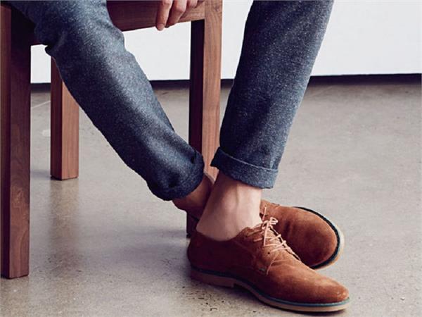 बिना मोजे जूते पहनना पड़ सकता है सेहत पर भारी...