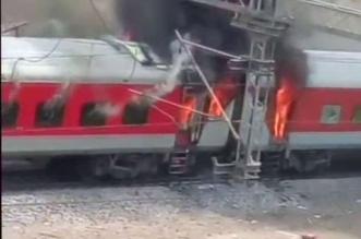 अभी अभी : ग्वालियर में आंध्र प्रदेश एक्सप्रेस में लगी भीषण आग, चारो तरफ मचा हडकंप