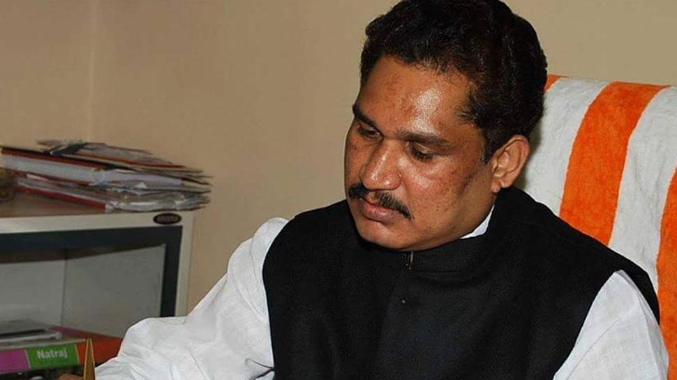 बड़ी घटना: BJP सांसद के फॉर्म हाउस को नक्सलियों ने ब्लास्ट कर उड़ाया घर