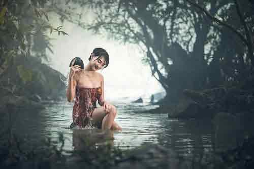 अगर आपको सपनें में दिखे नहाते हुएमहिला, तो समझ जाएं आपकी जिंदगी में आने वाला हैभूचाल