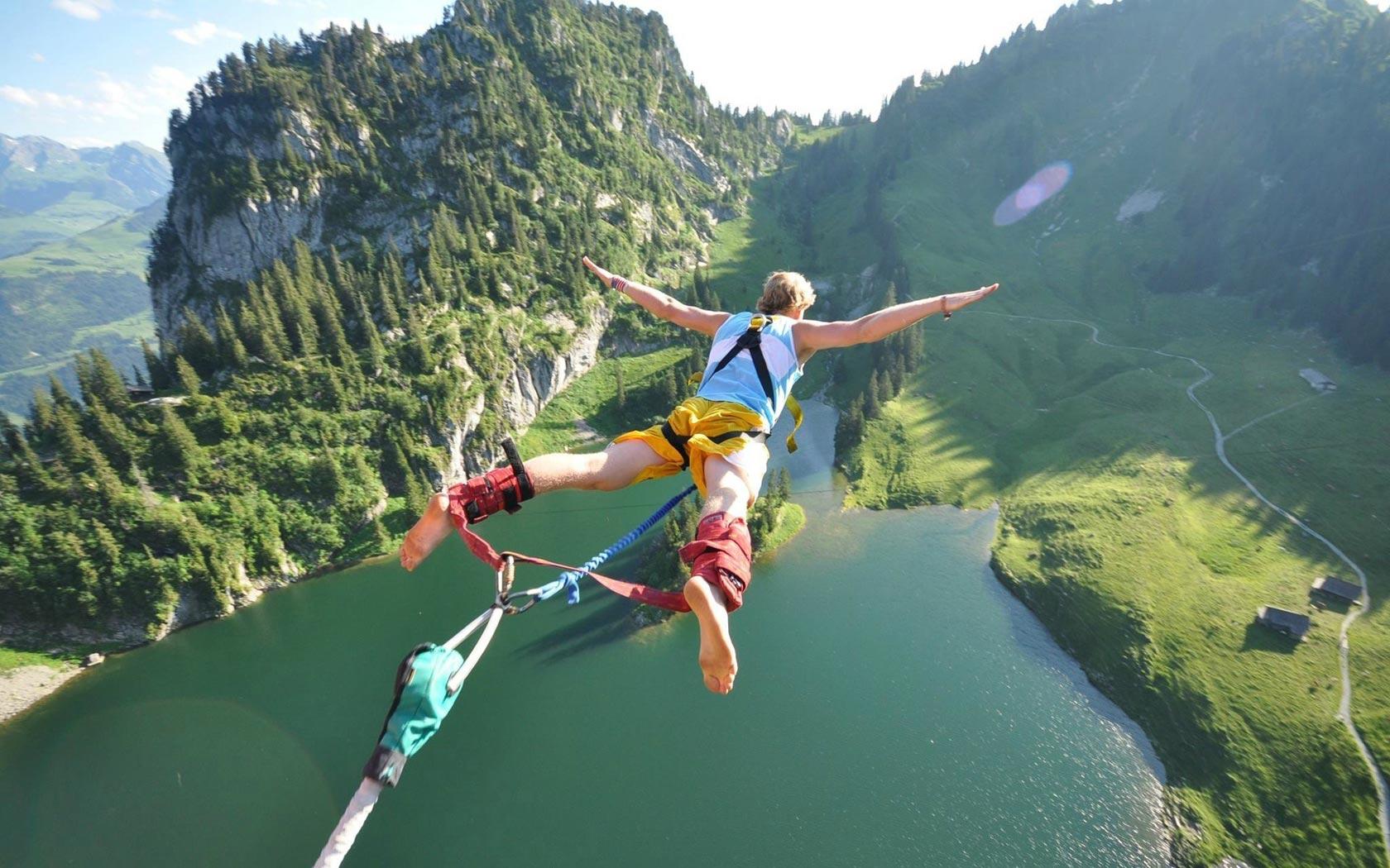 ऊंची उड़ान से नहीं लगता डर तो बंजी जपिंग के लिए बेस्ट हैं ये डेस्टिनेशन