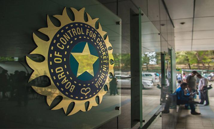 अभी-अभी: BCCI ने किया बड़ा ऐलान, कहा- विराट के इंग्लैंड में खेलने पर इस दिन होगा फैसला