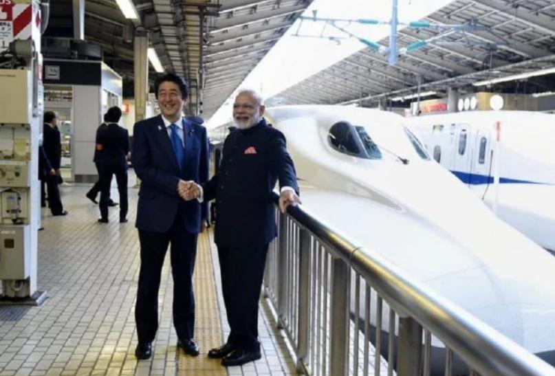 बुलेट ट्रेन के लिए भूमि अधिग्रहण के तरीकों पर अहमद पटेल ने PM मोदी सर्कार पर उठाए सवाल