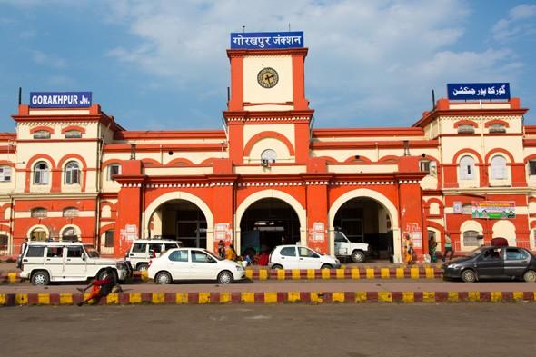 गोरखपुर रेलवे स्टेशन पर अब लिफ्ट से पहुंचेगा पार्सल