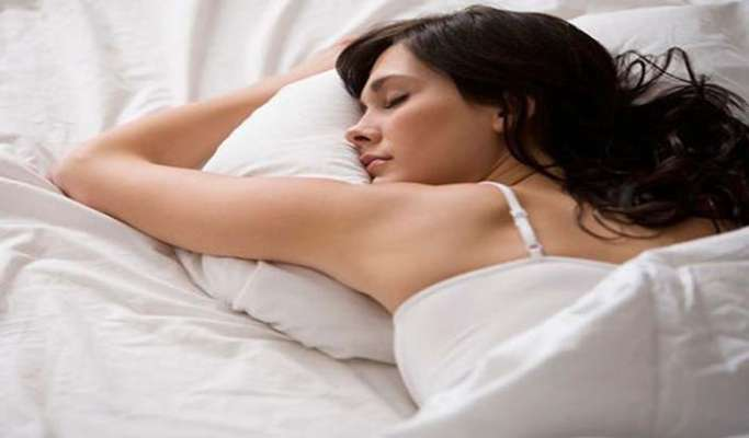 अगर आप भी सोते हैं इस पोजिशन में तो हो जाएं सावधान...