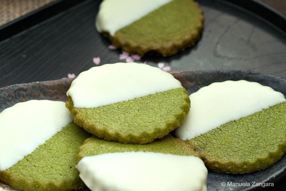 कुछ इस तरह बनाएं चौकलेट शोर्टब्रेड कुकीज