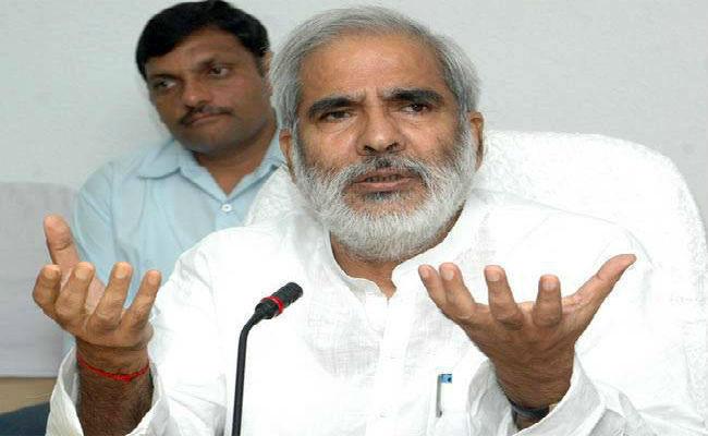 खतरे में लोकतंत्र, देनी होगी कुर्बानी: BJP पर बरसे RJD नेता