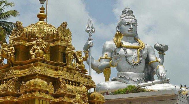 शिव मंदिर में ताली बजाना पड़ सकता है आपको महंगा