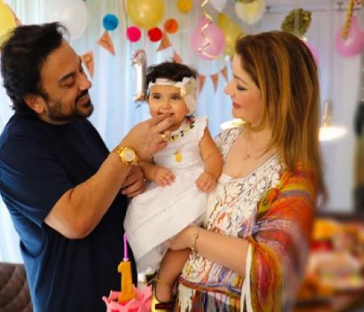 बेटी के पहले जन्मदिन पर भावुक हुए अदनान, इंस्टाग्राम पर शेयर की तस्वीर...