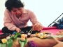 इस देश में है एक ऐसा रिवाज, जहांलड़की पर खाना परोसकर खाते हैलोंग