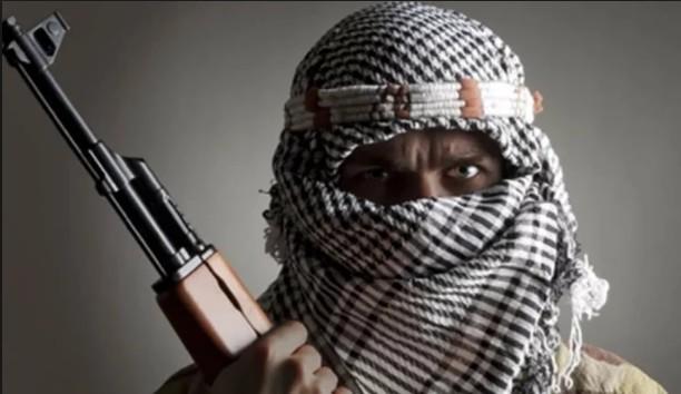 बड़ीखबर: कश्मीर के बारामूला में आतंकियों ने बरसायी ताबड़तोड़ गोलीबारी, 3 युवकों को उतारा मौत के घाट