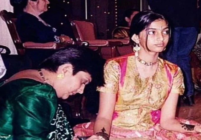 बचपन में कुछ ऐसी दिखती थीं अनिल कपूर की बेटी, वायरल हुई तस्वीर
