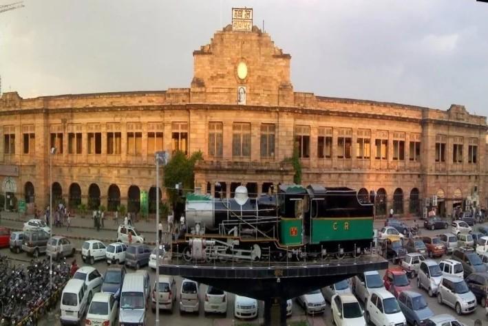 सिर्फ 1 रुपए में खरीदी गई जमीन पर बनाया रेलवे स्टेशन और फिर जो हुआ...