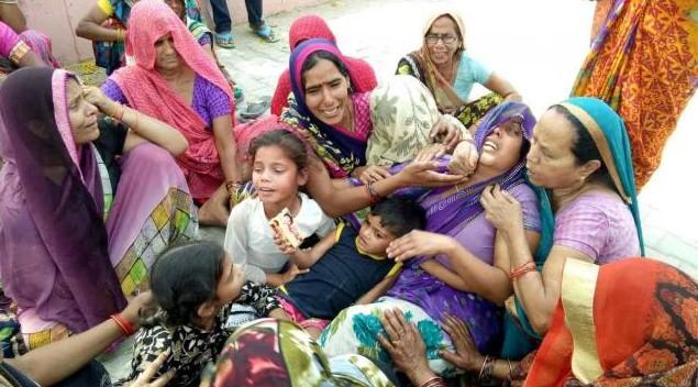 बड़ा हादसा: फर्रुखाबाद में हाईटेंशन लाइन की चपेट में आने से पल्लेदार की हुई मौत