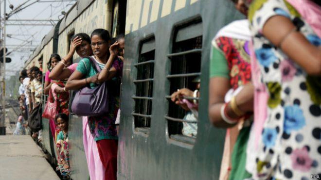 बड़ी खुशखबरी: ट्रेनों में महिलाओं की सुरक्षा के लिए रेलवे ने उठाएंये बड़ा कदम...