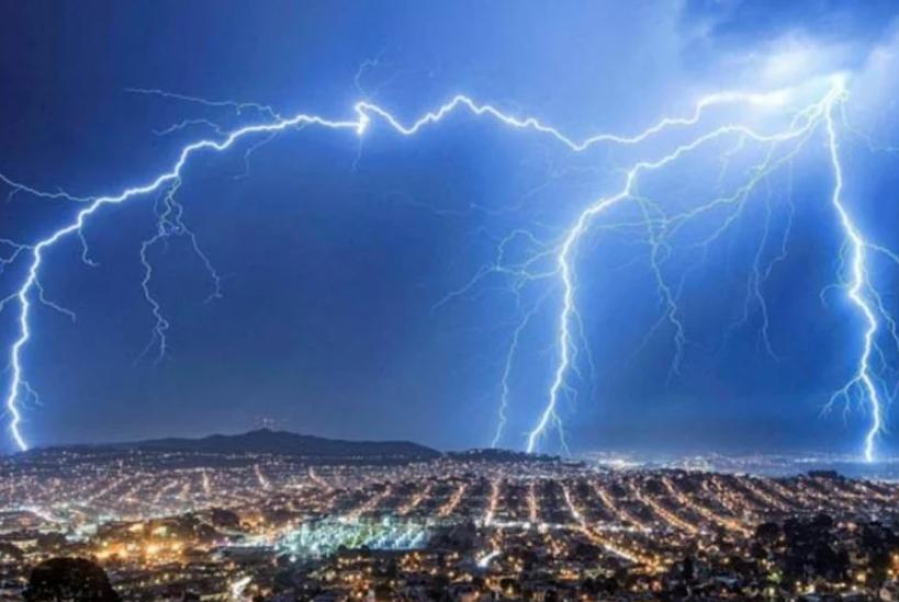 इन राज्यों में आंधी-तूफान ने दी दस्तक, तस्वीरे देख आपके उड़ जायेंगे होश...