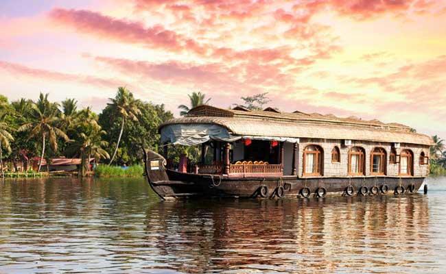 निपाह वायरस: केरल में इन जगहों पर घूमने से बचें, सरकार ने पर्यटकों के लिए जारी किया अलर्ट