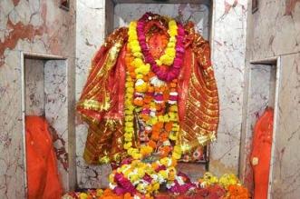 इस मंदिर में चुनरी बांधने से हो जाती है व्यक्ति की हर इच्छा पूरी,जानिए