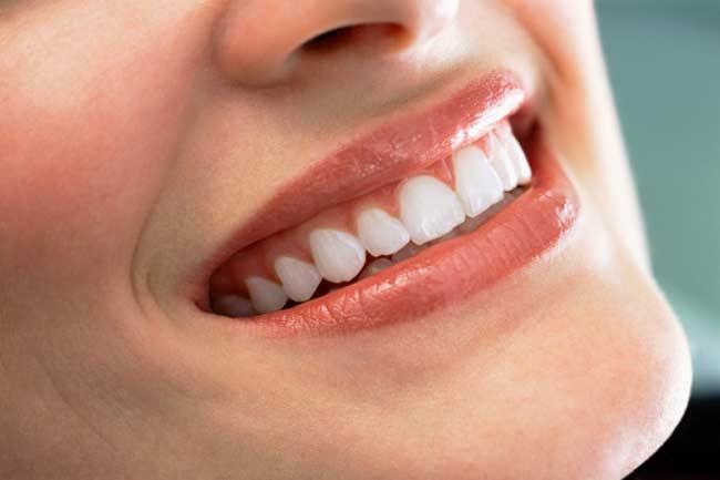 दांत भी कर देते हैं दिल को बीमार, ऐसे करें इनकी देखभाल