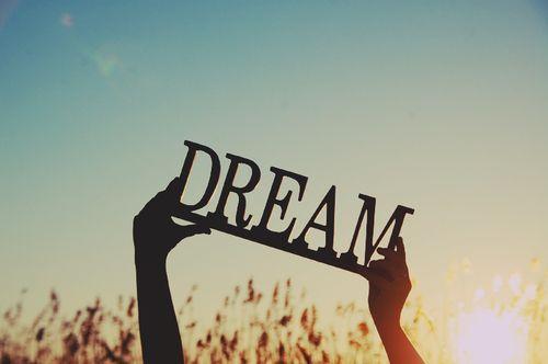 सपने में दिखाई देने लगे ये चीजें, तो आपके सपने हो सकते हैं साकार