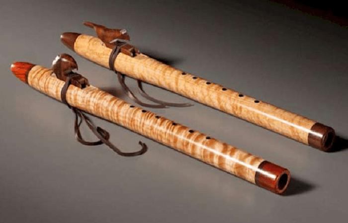 जानिए क्यों घर में बांसुरी का होना क्यों है जरूरी